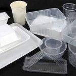 La nuova normativa prevede regole più severe nell'utilizzo di contenitori per alimenti